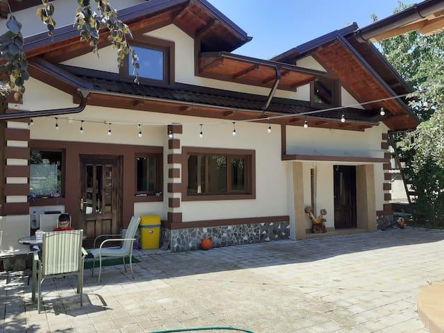Romania Luxury Country House/Casa la tara