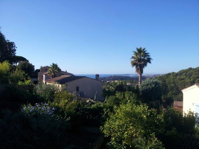 Maison sur la côte d'Azur vue mer - Cagnes-sur-Mer - Casa