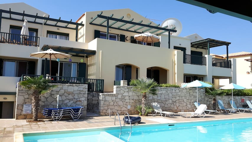 Seafront apartment with seeview and garden 72qm