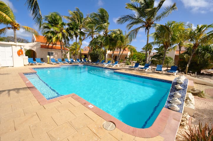 Luxe Studio Hamlet Oasis Resort #11 met veel extra