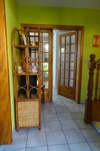 Chambre dans une jolie maison - Bennwihr - Huis