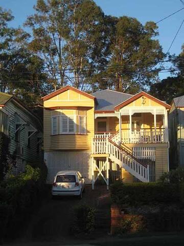Queensland cottage Milton - close to transport