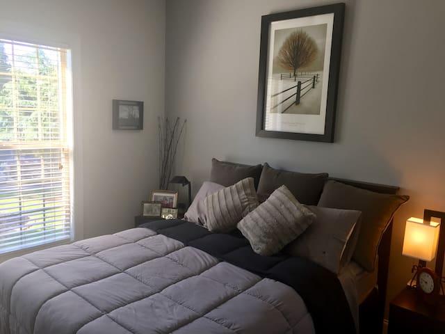 Comfy Room 2