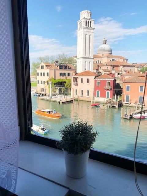 Bienal de Ca' San Piero, tu hogar en la verdadera Venecia.