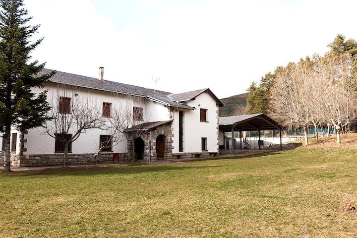 Casa con jardín en Aratorés