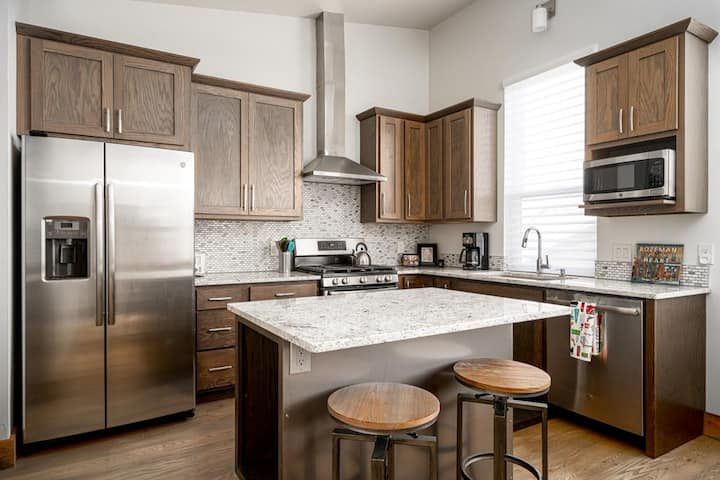 Outwest Hideaway - New Bozeman Apartment