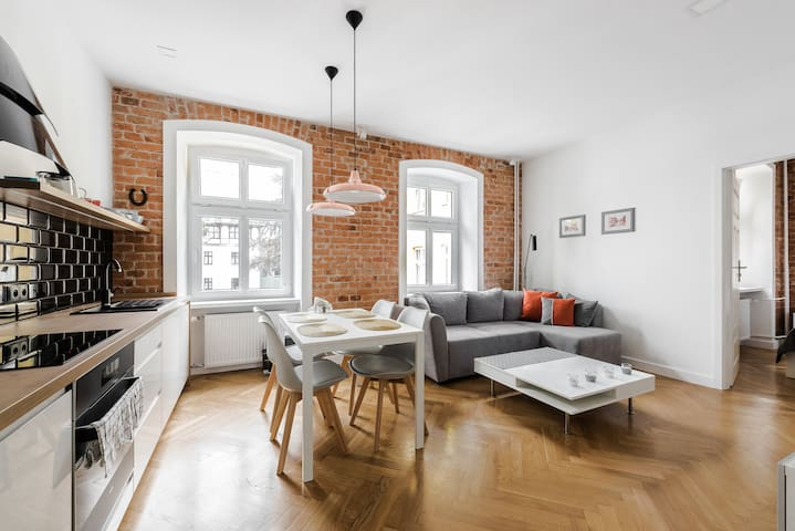 Apartament Sweet Time only 350 m from Town Hall