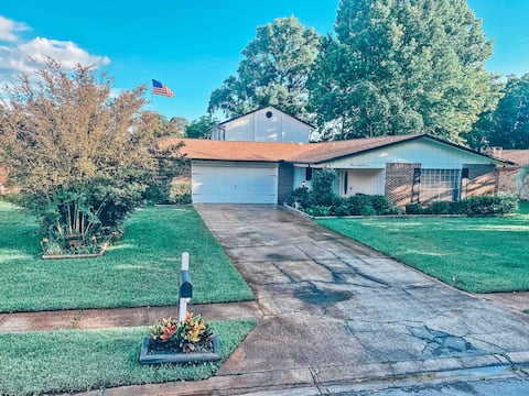 ✦New✦ 3180 Sq . Ft Comfortable Family Home