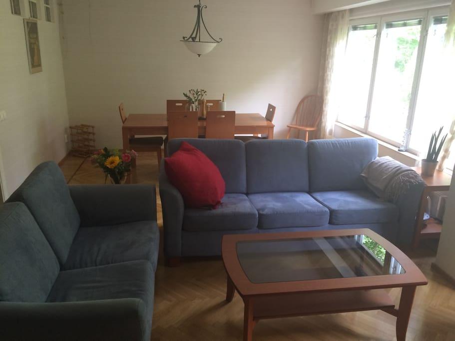living room/main dining room 1