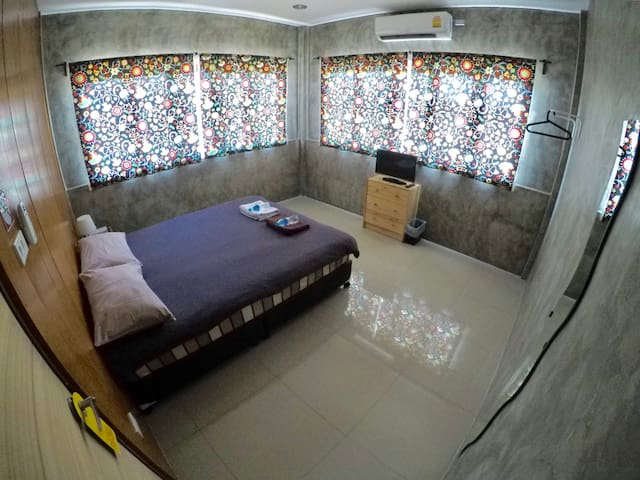 Private Room near Thapae Gate and Night Market
