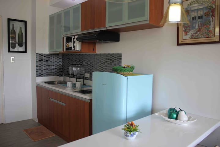 Designer  1BR Condo in Nuvali With Parking
