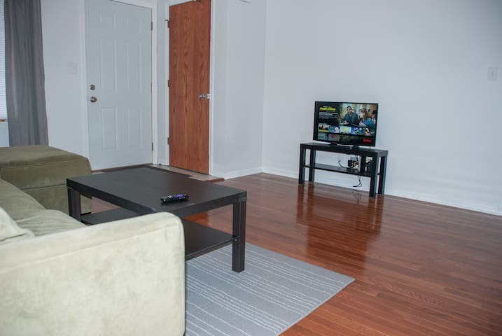 2 Bed Townhome Close To Interstate 5 - Unit#7 - Rockford - อพาร์ทเมนท์