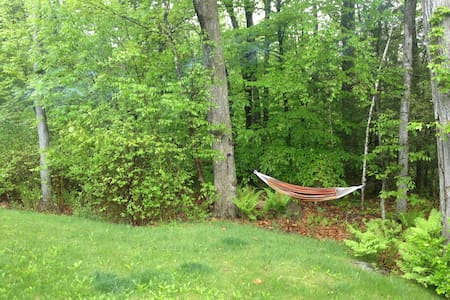Charming Cape Cod by West Hill Lake - New Hartford - House - 2