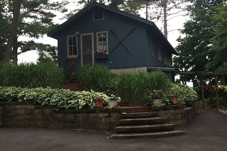 Rustic cabin on Stratton Lake