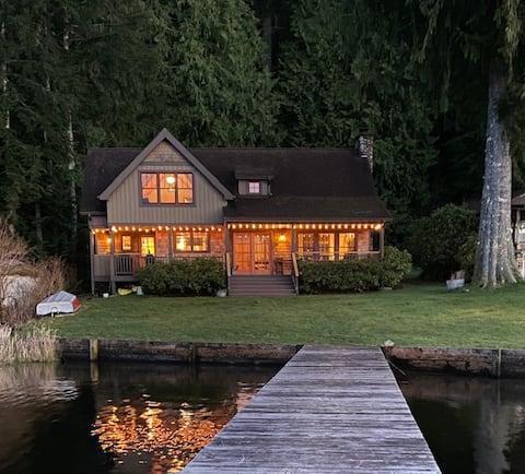 Beautiful Lake Cavanaugh Water Front Cabin