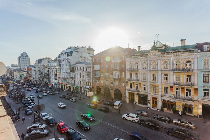 On Lev Tolstoy Square