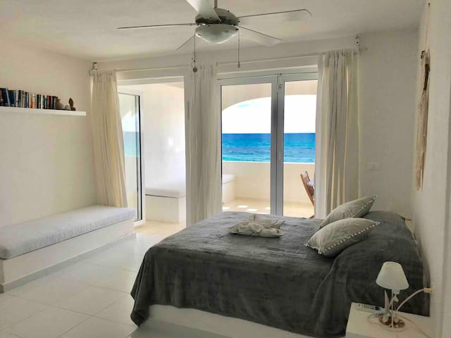 Ocean front studio on the water!!!Private!!!!!!!!!
