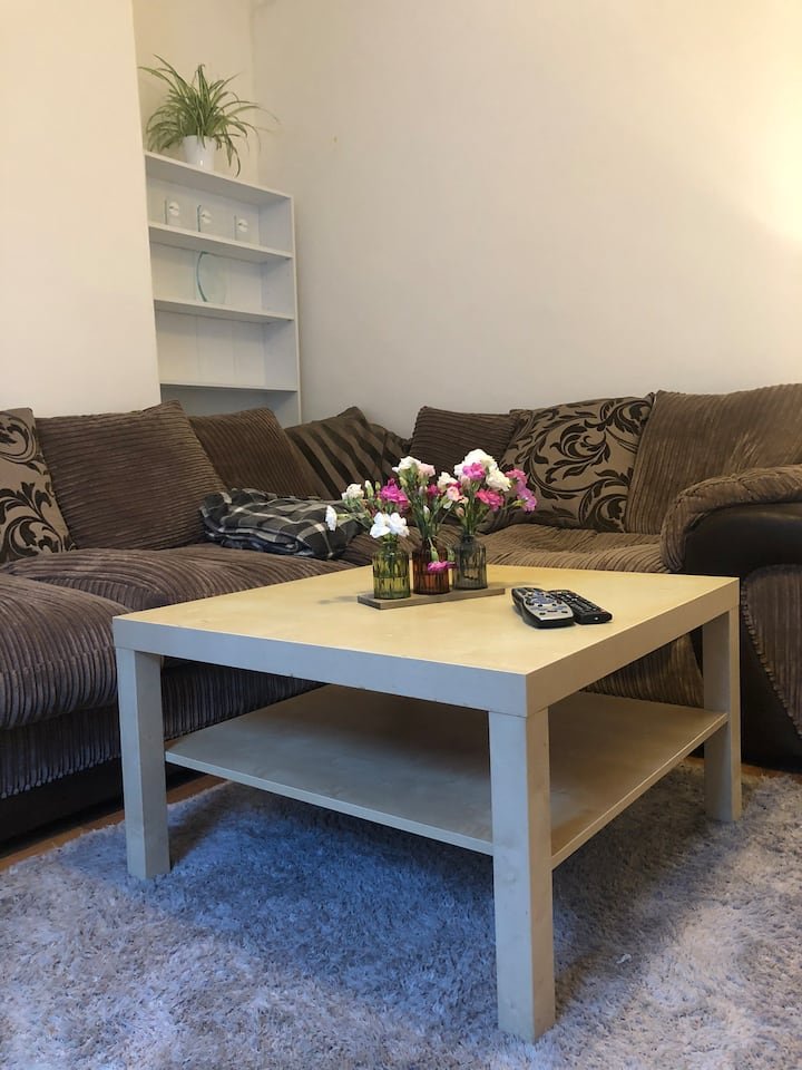 Spacious City Centre 1 Bedroom Flat