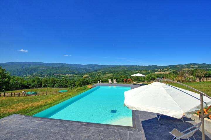 Casale Daniele - Holiday Villa Rental with swimming pool in Casentino Valley, Tuscany