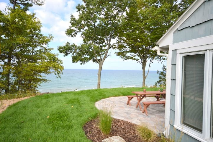 Fletcher Cottage has private Lake Michigan frontage!