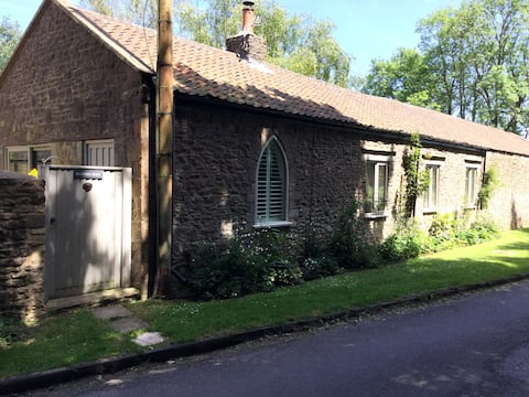 Cosy rural cottage near Bath,family & dog friendly