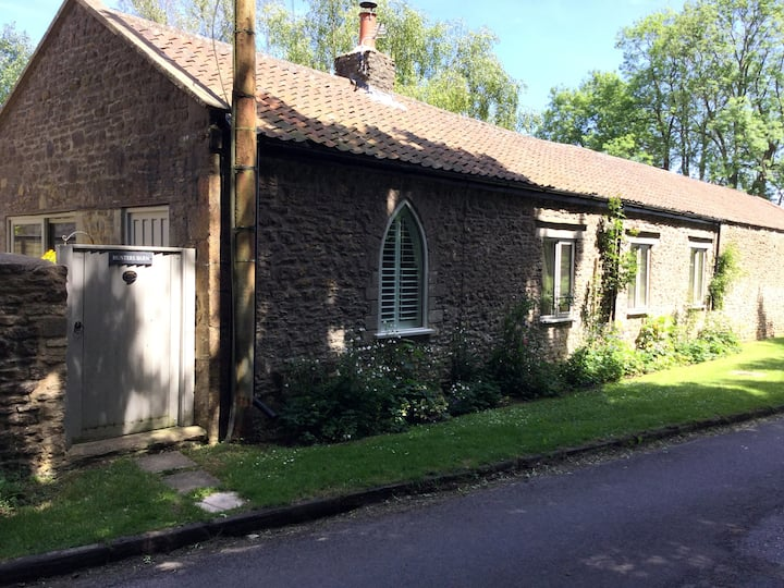 Cosy rural cottage near Bath,family & dog friendly