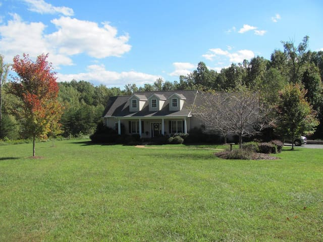 Large Country Home close to Cville and Richmond