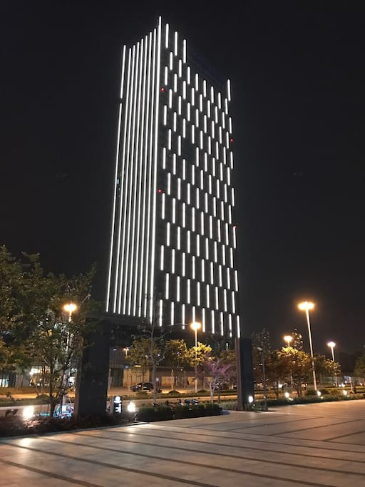 公寓大楼夜景