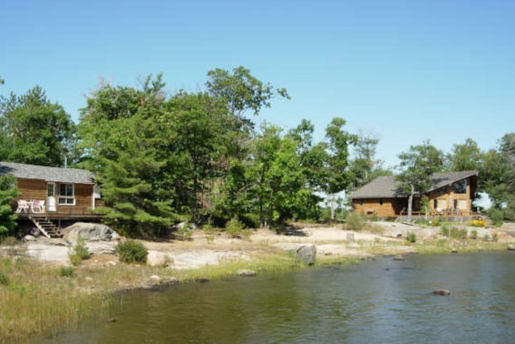 Island cottage georgian bay 3 cabins for rent in honey for Georgian bay cabin rentals