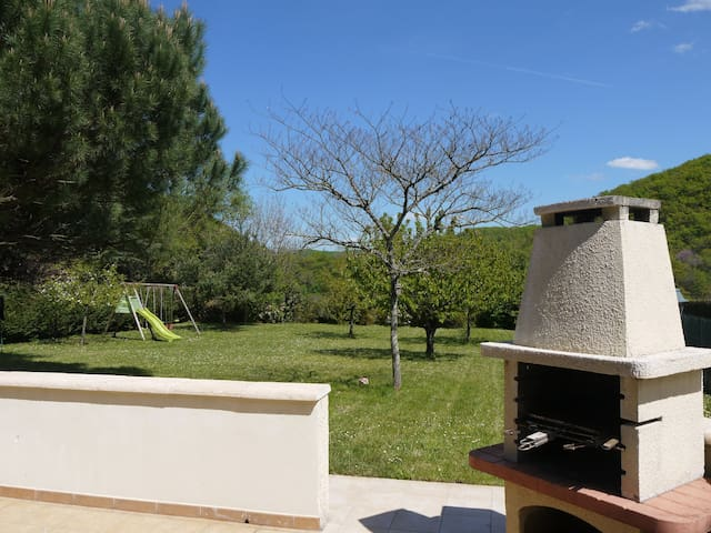La petite maison familiale - Nuzéjouls - House