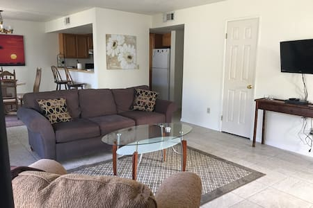 Sunny, Bright, open space 2 bdr Condo, Cozy - Bullhead City - Кондоминиум