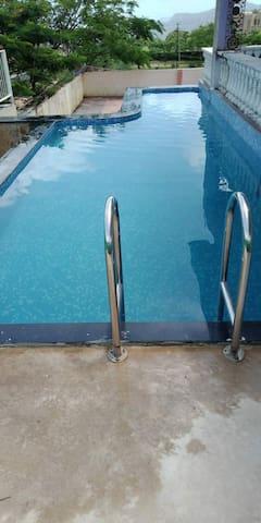 SUN VILLA with Pvt.pool free breakfast & games