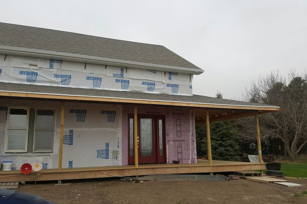 Ongoing rennovations. Please excuse the mess. Rennovations are primarily exterior. New windows. New siding.