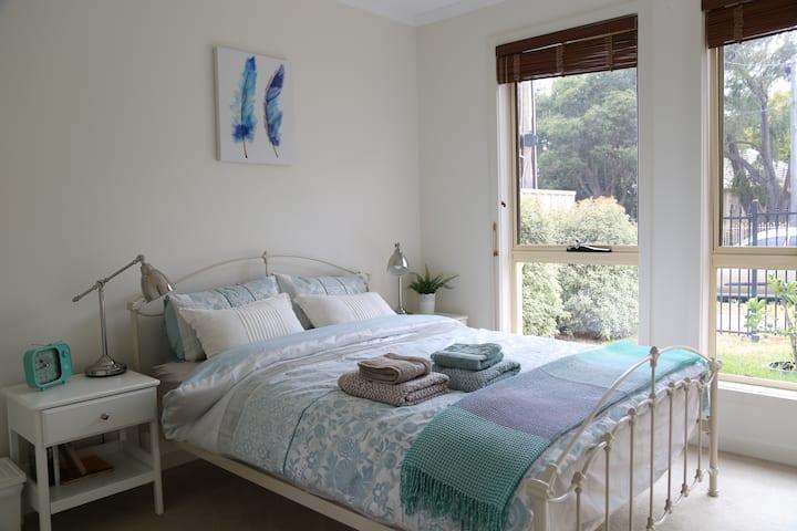 Warm&Sweet room, Sleep 2, free & fast WIFI