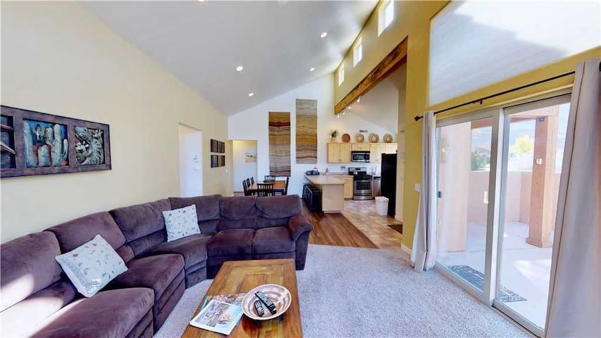 Enjoy The Views In This Condo With Complex Heated Pool, Nearby Tennis Courts, Private Patio - Desert Hideaway ~ C2