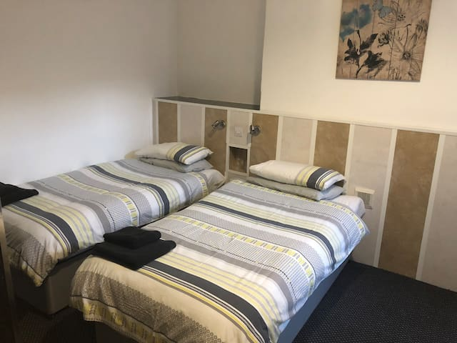Comfortable twin room with en suite