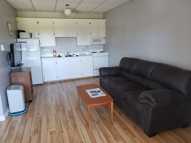 Attached  1 Bedroom full Efficiency Unit