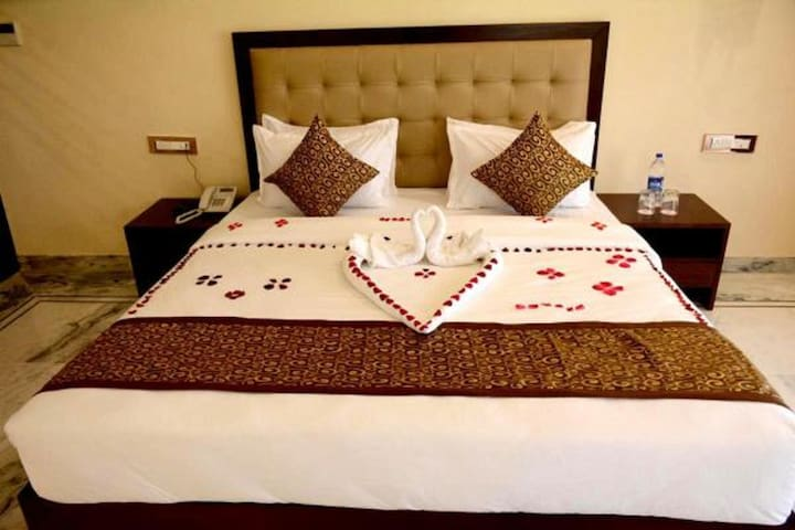Best accommodation with Bar near mount abu