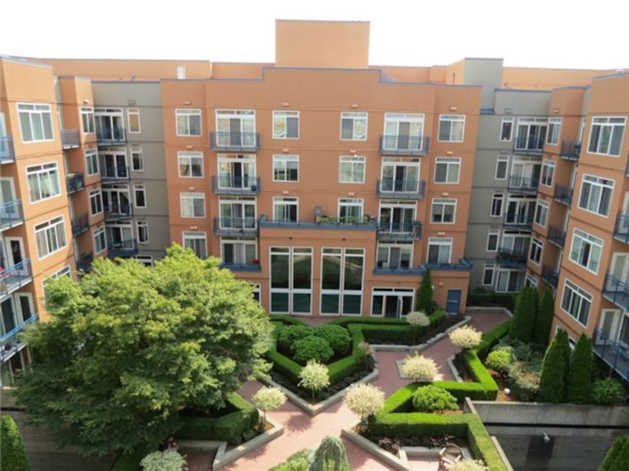 Beautiful complex takes a whole city block. Great food right outside your front door!