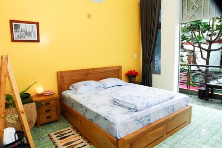 P4Cozy private room w private balcony near Airport