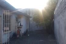 Casa COMPLETA en el centro con Patio
