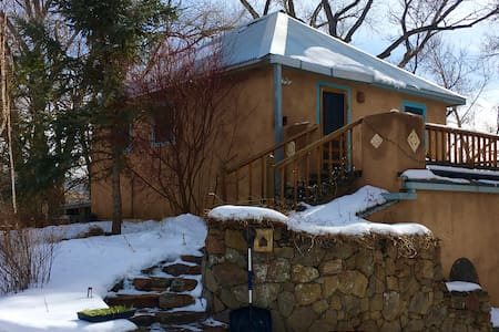 Charming Light filled Studio in the Tall Trees - Ranchos de Taos