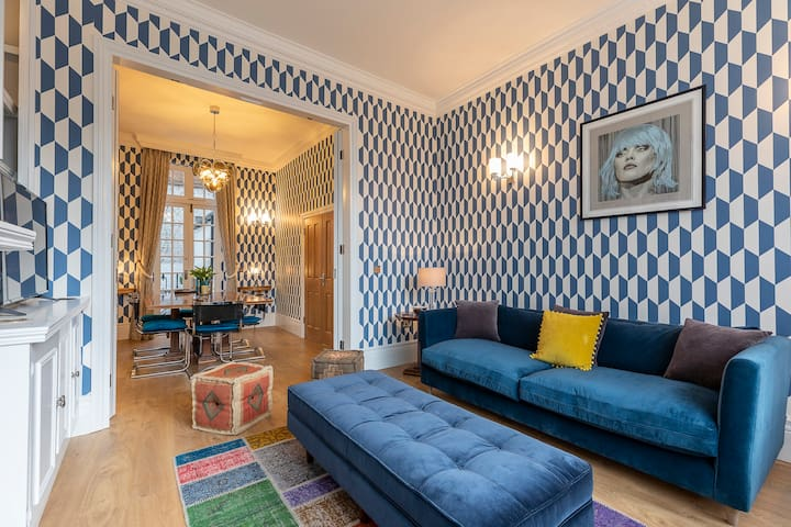 Extraordinary 3BR house in Notting Hill w/ patio