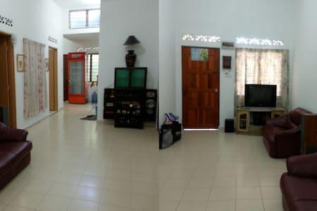 Homestay Yayasan Asmah - Kuala Selangor
