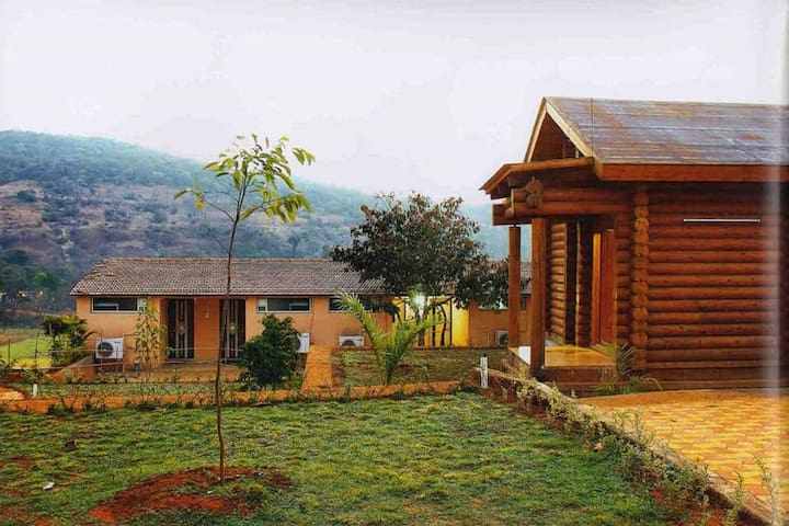 Lonavala 6  AC Rooms with Swimming Pool