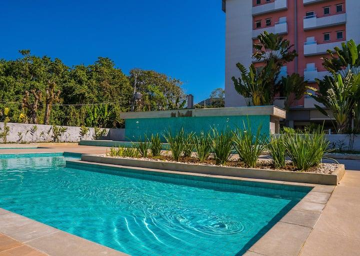 Ap.2Q Ubatuba - piscina, ar cond. - Passaredo Bl.6