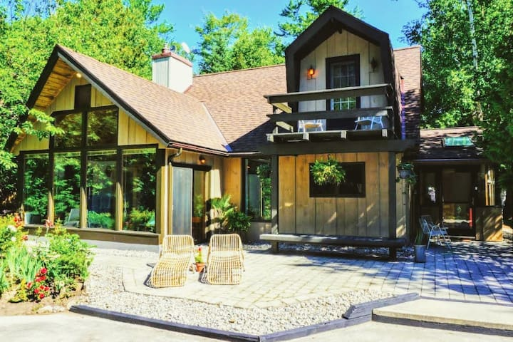 Welcome to the Sauble Alpine Retreat!