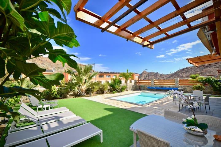Villa Diana with private swimming pool in Tauro