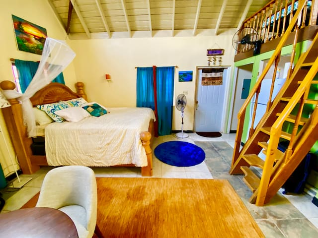 Negril Jamaica Cozy Cottage with Free WiFi