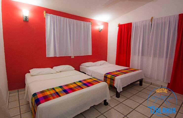 Habitación Cuádruple Estándar en Hostal Tzalahua